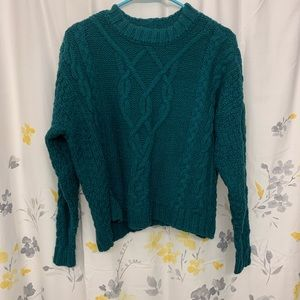 green aerie cable knit sweater in size XS!